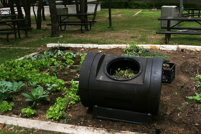 Stationary compost bin